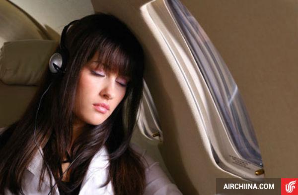 Bí quyết giảm mệt mỏi khi đi máy bay