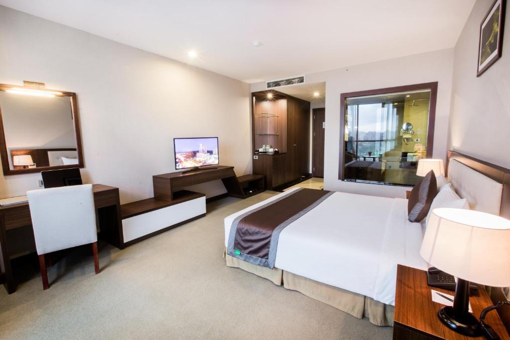 Phòng deluxe Khách sạn Mường Thanh Grand Hoàng Mai
