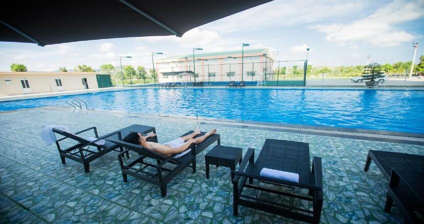 Hồ bơi Khách sạn Mường Thanh Grand Hoàng Mai