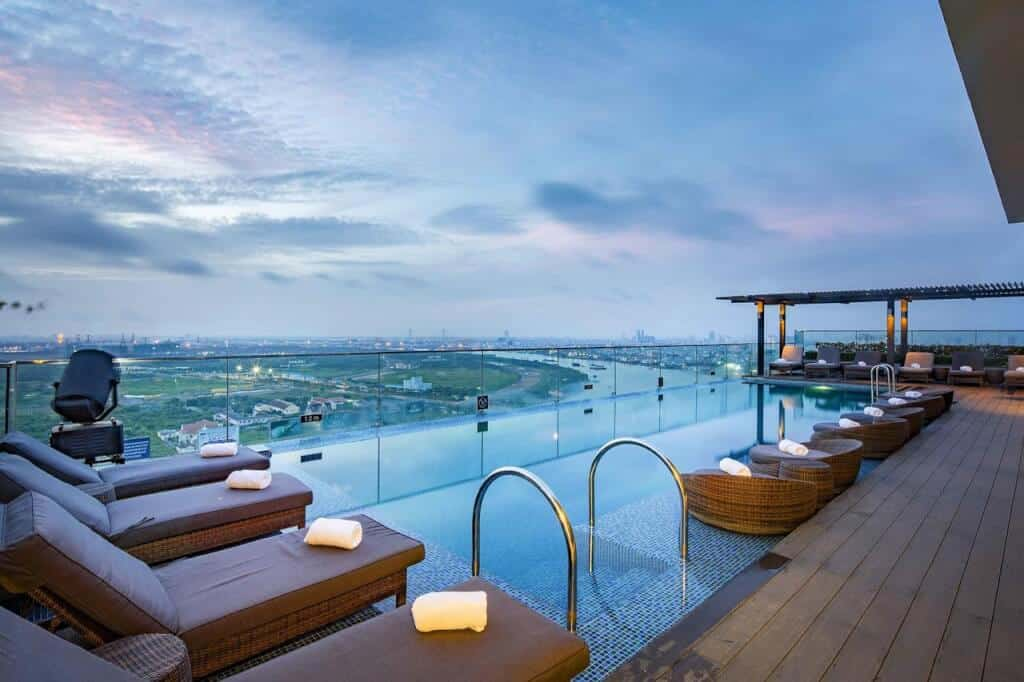 Hồ bơi a&em saigon hotel