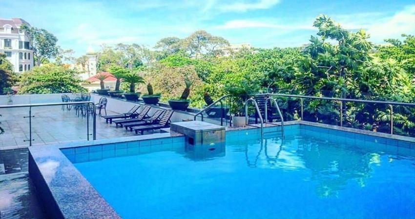 Hồ bơi Khách sạn Mường Thanh Holiday Vũng Tàu